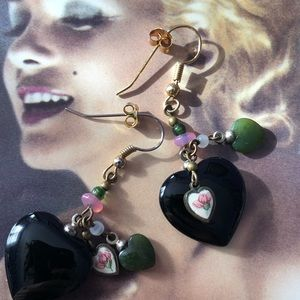 Vintage Onyx Heart Earrings